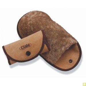 http://www.pluriel.fr/239-3296-thickbox/gant-lustreur-en-laine-d-agneau-veritable-pour-lustrer-les-chaussures.jpg